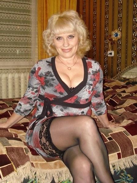 Сексуальные русские в возрасте, порно трахнули на озере